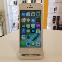 Apple iPhone 5 16GB Silver (обновен)