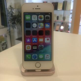 Apple iPhone SE 32GB Gold (реновиран,обновен)